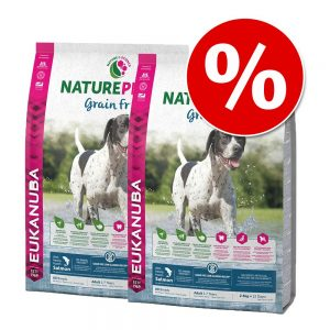 Ekonomipack: 2 x 14 kg Eukanuba NaturePlus+ torrfoder - Adult Medium Dog Salmon (2 x 14 kg)
